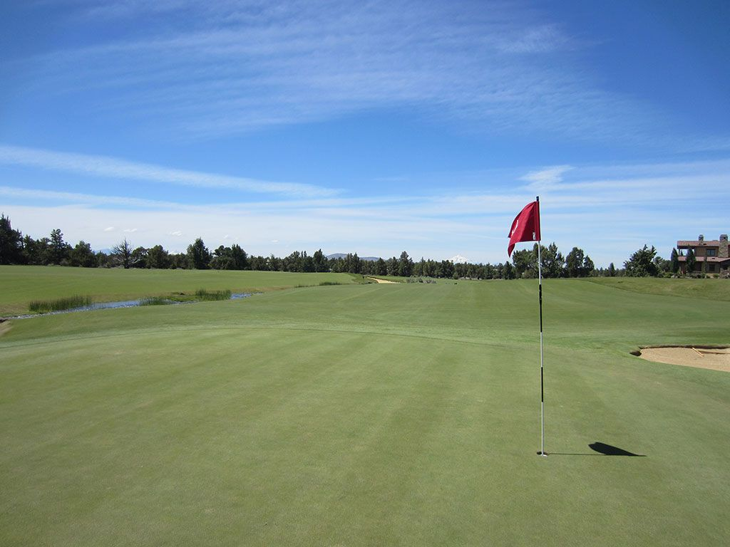 6th Hole at Pronghorn Golf Club (Fazio) (342 Yard Par 4)
