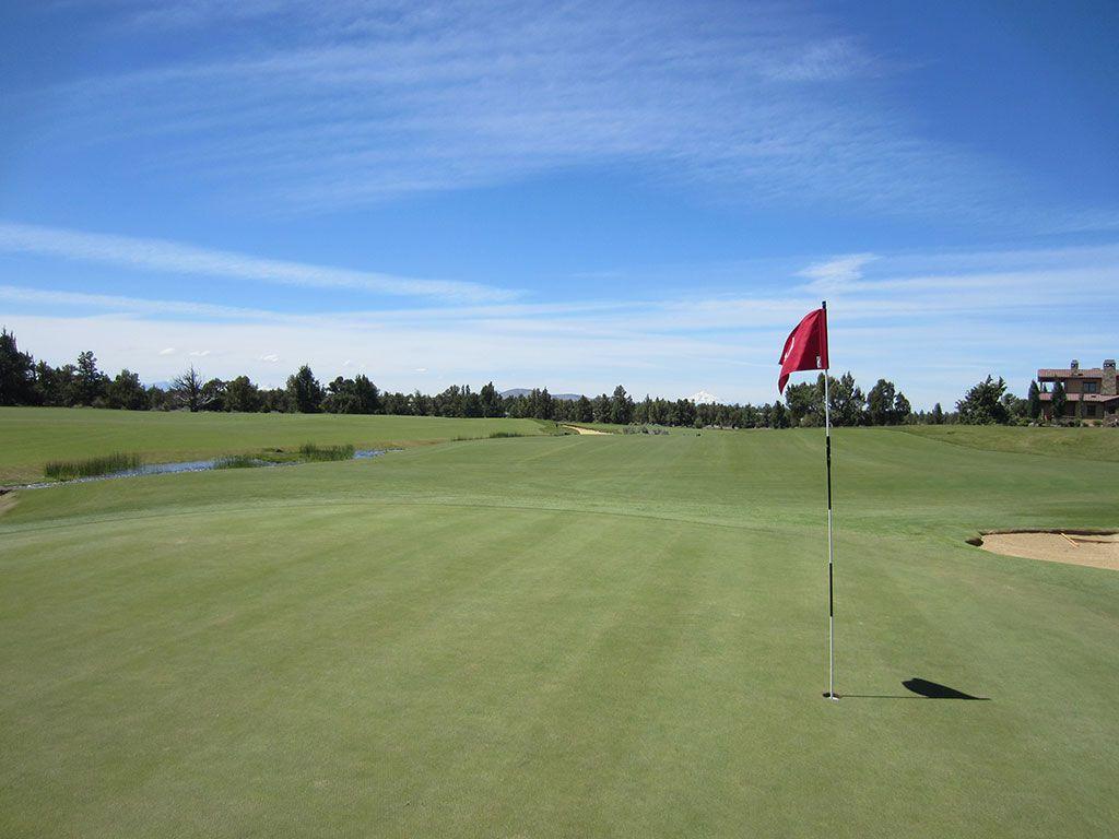 6th Hole at Pronghorn Golf Club (Fazio) (342 Yard Par 4)