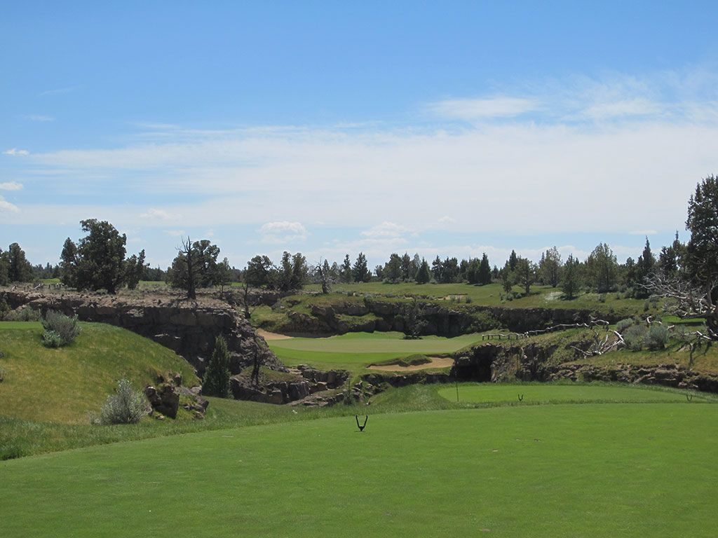 8th Hole at Pronghorn Golf Club (Fazio) (187 Yard Par 3)