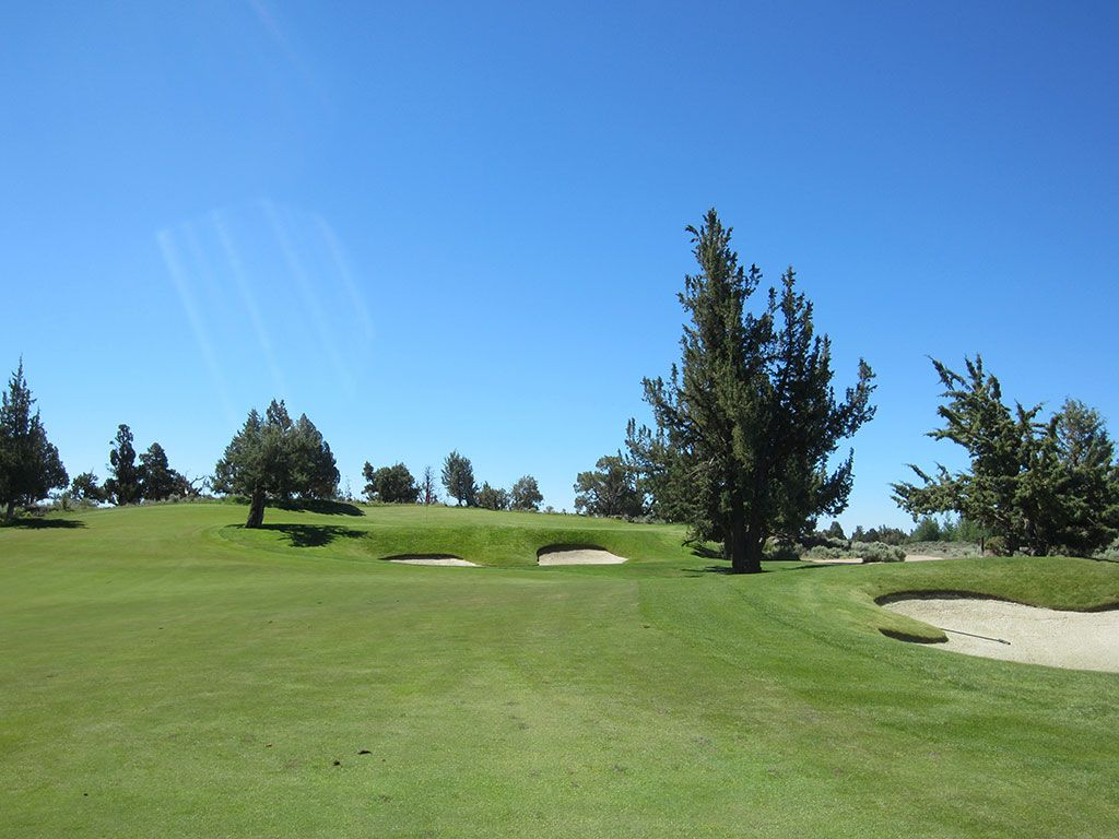 12th Hole at Pronghorn Golf Club (Nicklaus) (342 Yard Par 4)