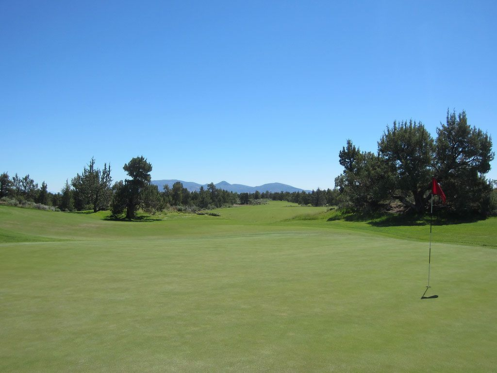 15th Hole at Pronghorn Golf Club (Nicklaus) (543 Yard Par 5)