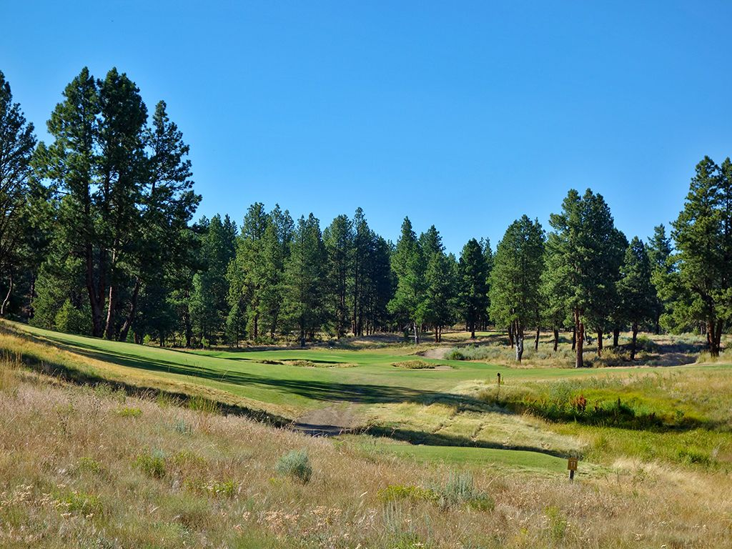 11th Hole at Silvies Valley Ranch (Craddock) (445 Yard Par 4)