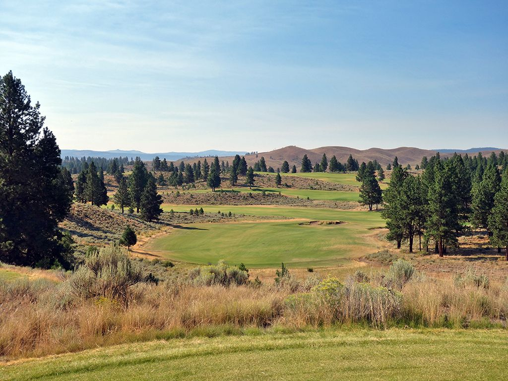 8th Hole at Silvies Valley Ranch (Hankins) (410 Yard Par 4)