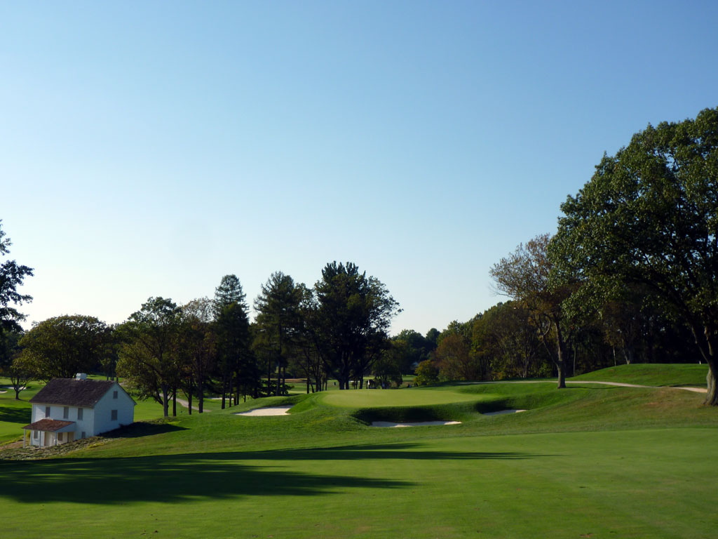7th Hole at Aronimink Golf Club (401 Yard Par 4)