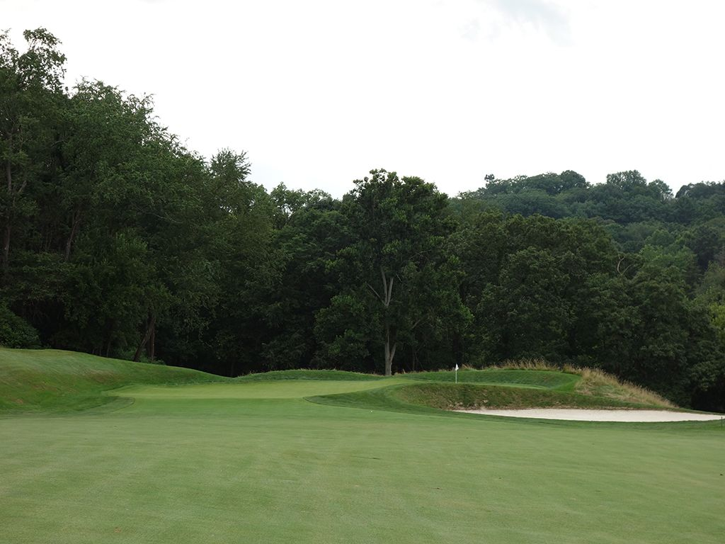 2nd (Punchbowl) Hole at Fox Chapel Golf Club (472 Yard Par 5)