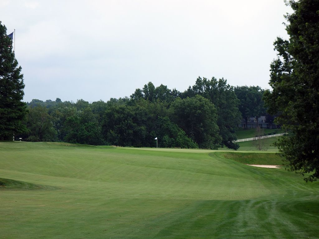 8th (Plateau) Hole at Fox Chapel Golf Club (474 Yard Par 4)