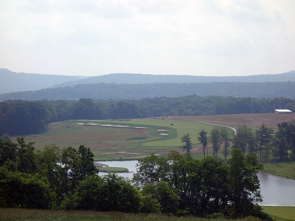 13th Hole at Shepherd's Rock at Nemacolin Woodlands Resort (538 Yard Par 5)