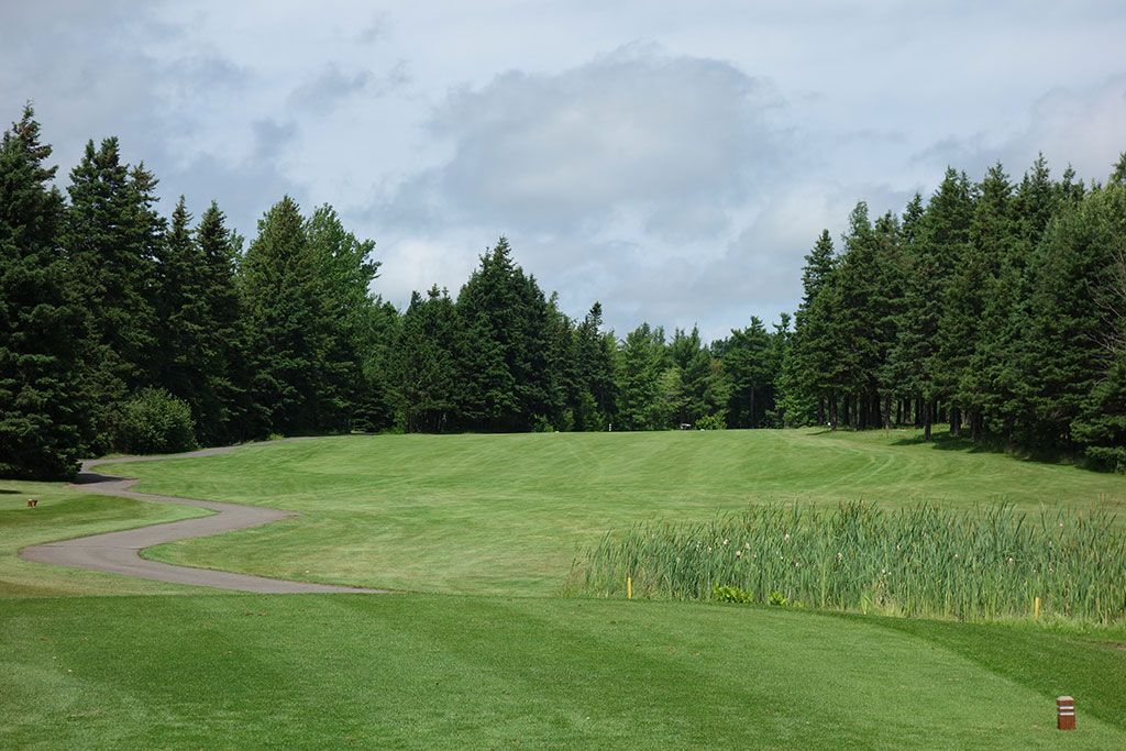 12th Hole at Brudenell River Golf Course (390 Yard Par 4)