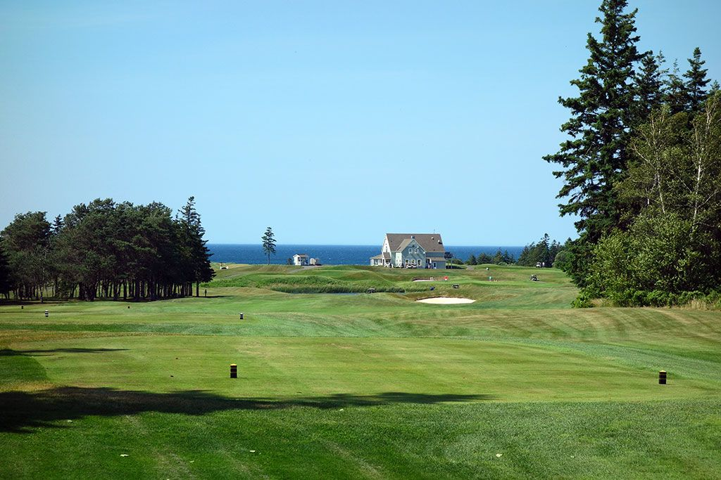 5th Hole at Crowbush Cove, The Links at (603 Yard Par 5)