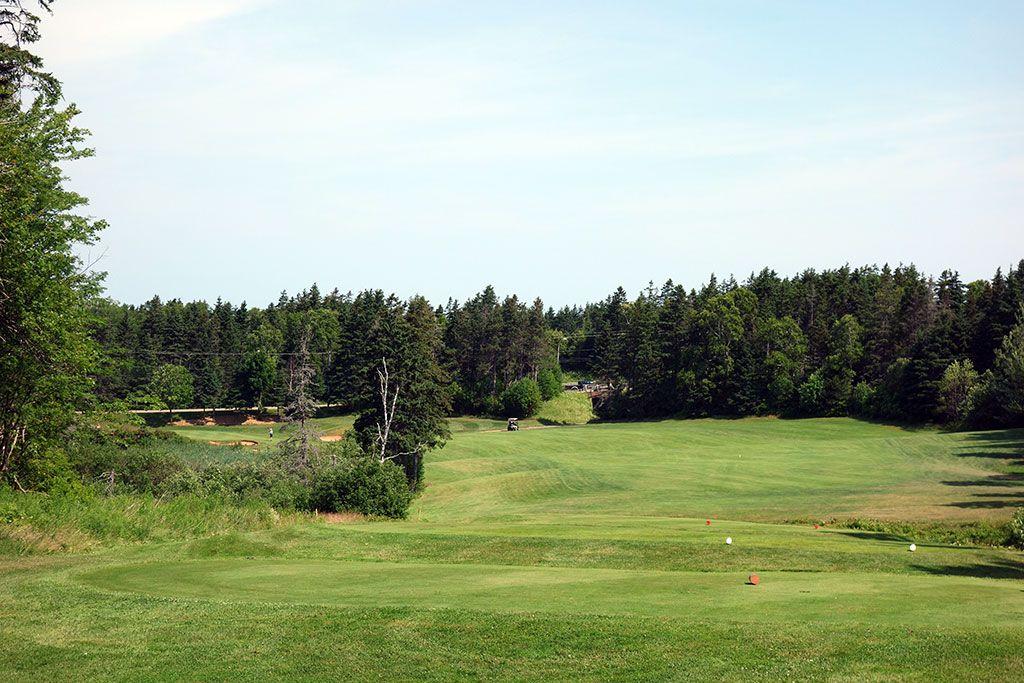 12th Hole at Green Gables Golf Club (344 Yard Par 4)