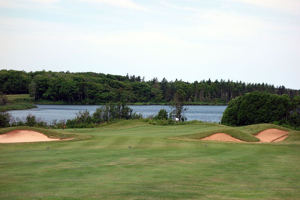 13th Hole at Green Gables Golf Club (453 Yard Par 4)