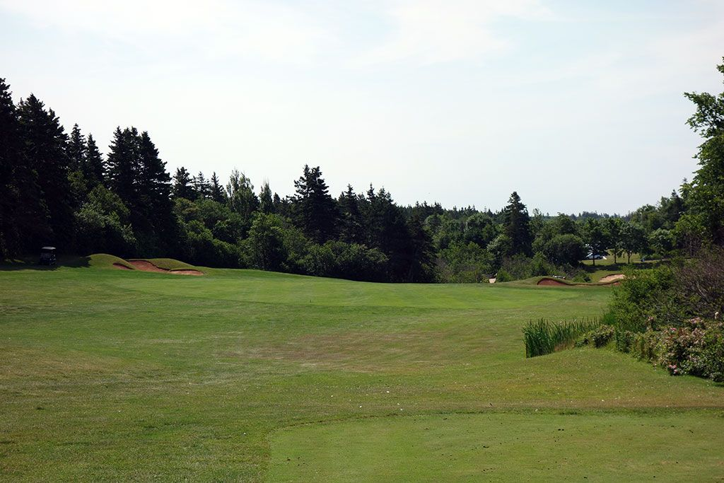 14th Hole at Green Gables Golf Club (353 Yard Par 4)