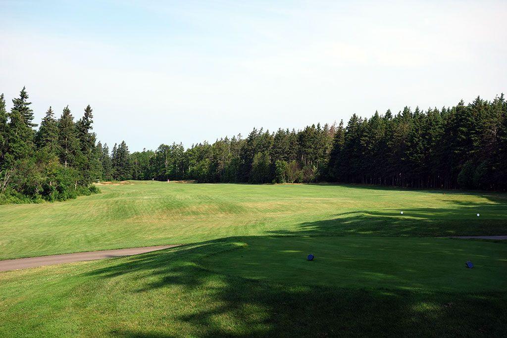 6th Hole at Green Gables Golf Club (456 Yard Par 4)
