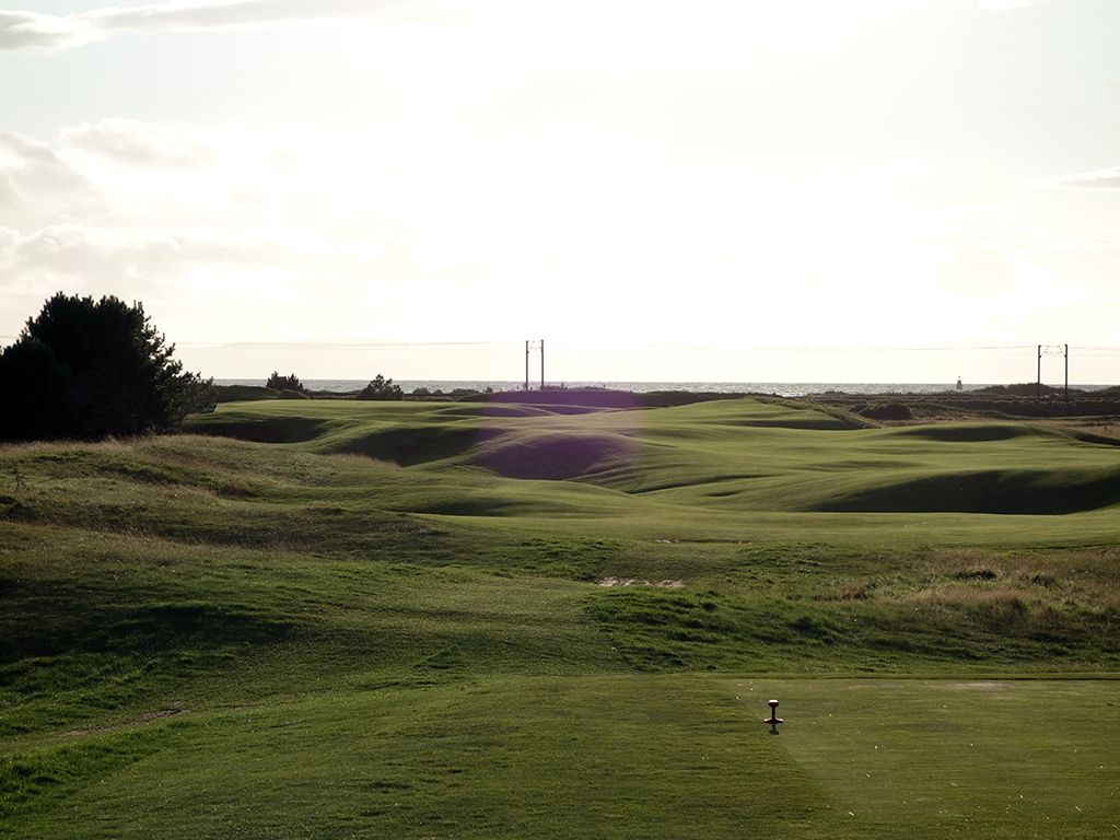 12th Hole at Dundonald Links (350 Yard Par 4)
