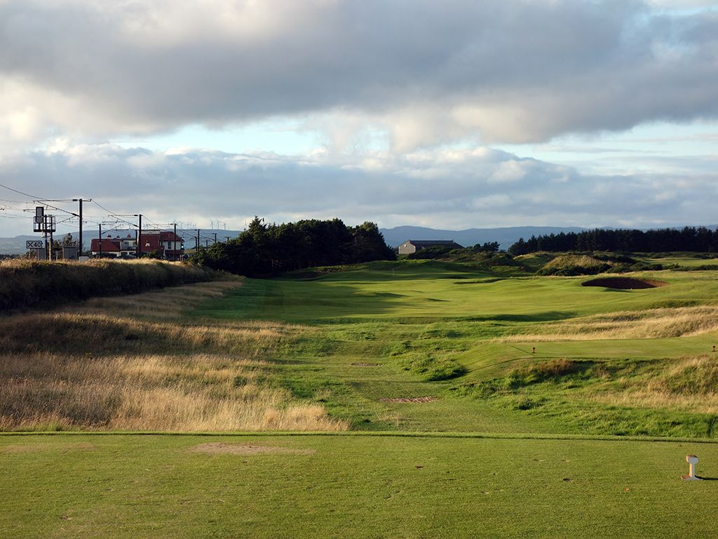 13th Hole at Dundonald Links (410 Yard Par 4)
