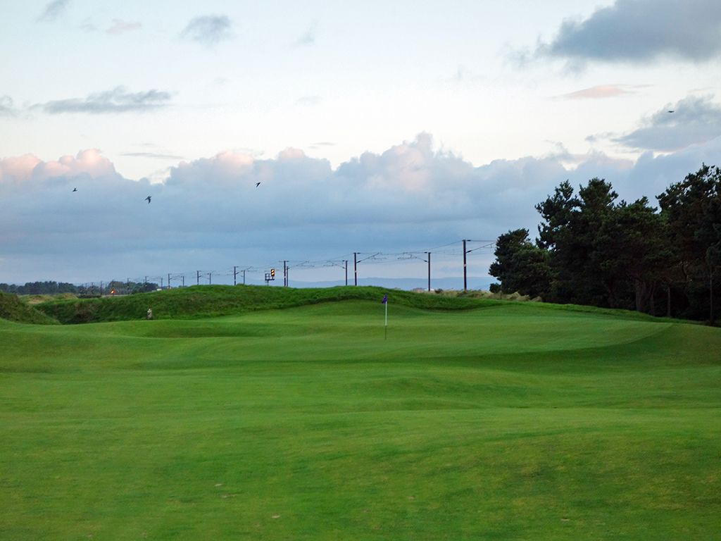 16th Hole at Dundonald Links (470 Yard Par 4)