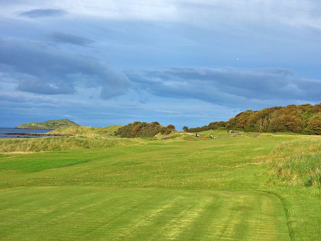 13th (Pit) Hole at North Berwick Golf Club (West Links) (387 Yard Par 4)