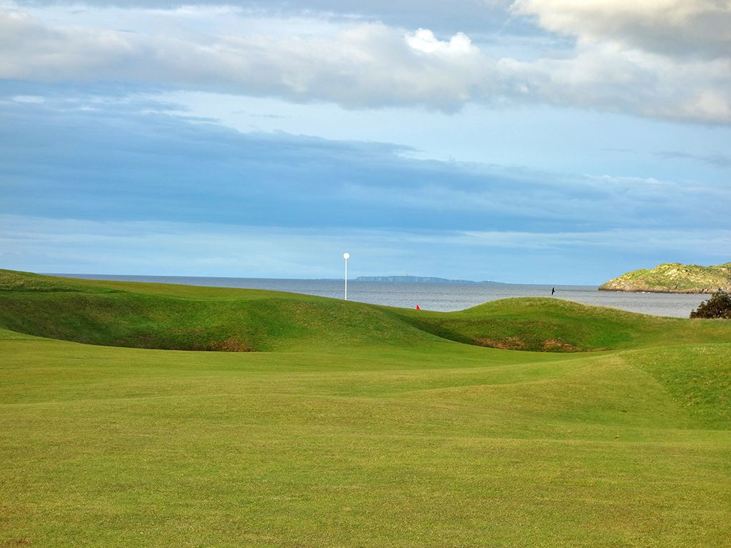 14th (Perfection) Hole at North Berwick Golf Club (West Links) (374 Yard Par 4)