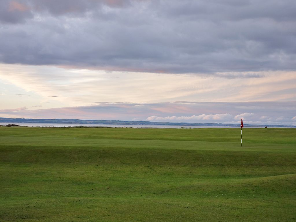 18th (Home) Hole at North Berwick Golf Club (West Links) (277 Yard Par 4)