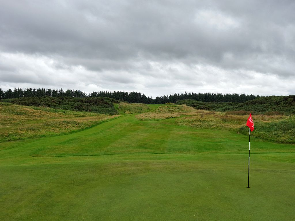 17th (Pots) Hole at Royal Aberdeen Golf Club (181 Yard Par 4)
