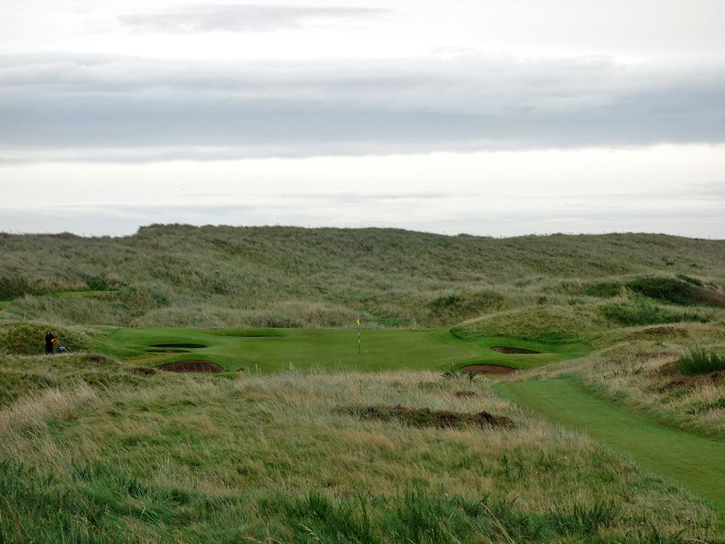 8th (Ridge) Hole at Royal Aberdeen Golf Club (147 Yard Par 3)