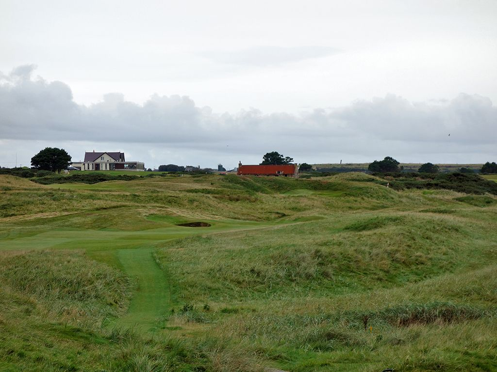 9th (End) Hole at Royal Aberdeen Golf Club (465 Yard Par 4)