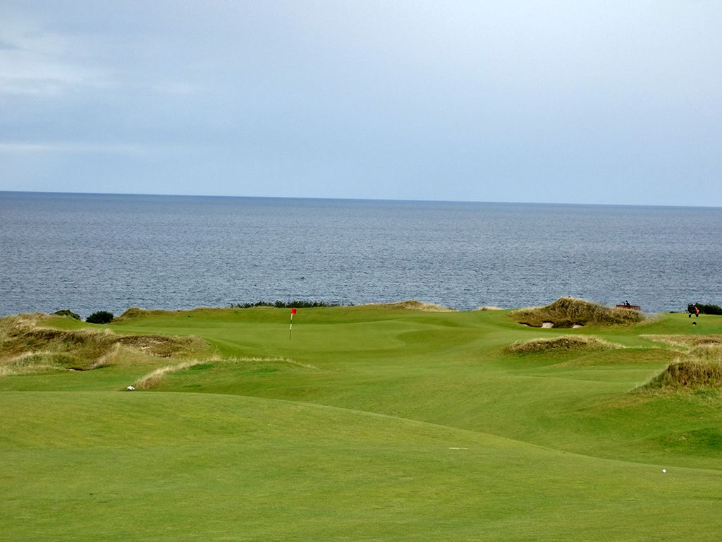 7th Hole at St Andrews Links (Castle) (456 Yard Par 4)