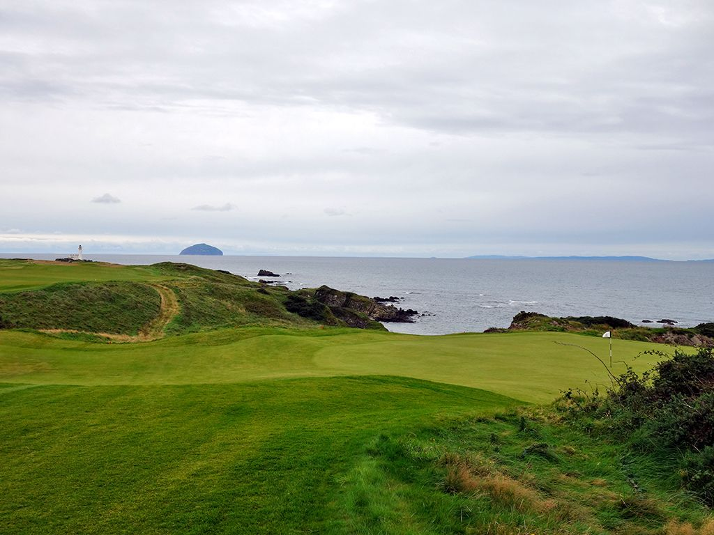 9th Hole at Trump Turnberry (King Robert the Bruce) (451 Yard Par 4)