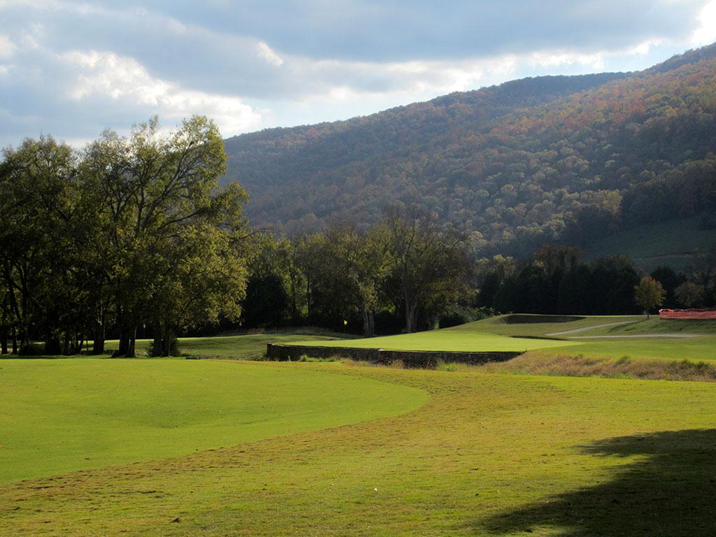 9th (Black Creek) Hole at Black Creek Golf Club (431 Yard Par 4)