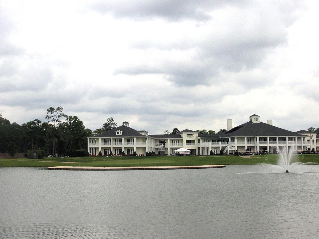 18th Hole at Augusta Pines Golf Club