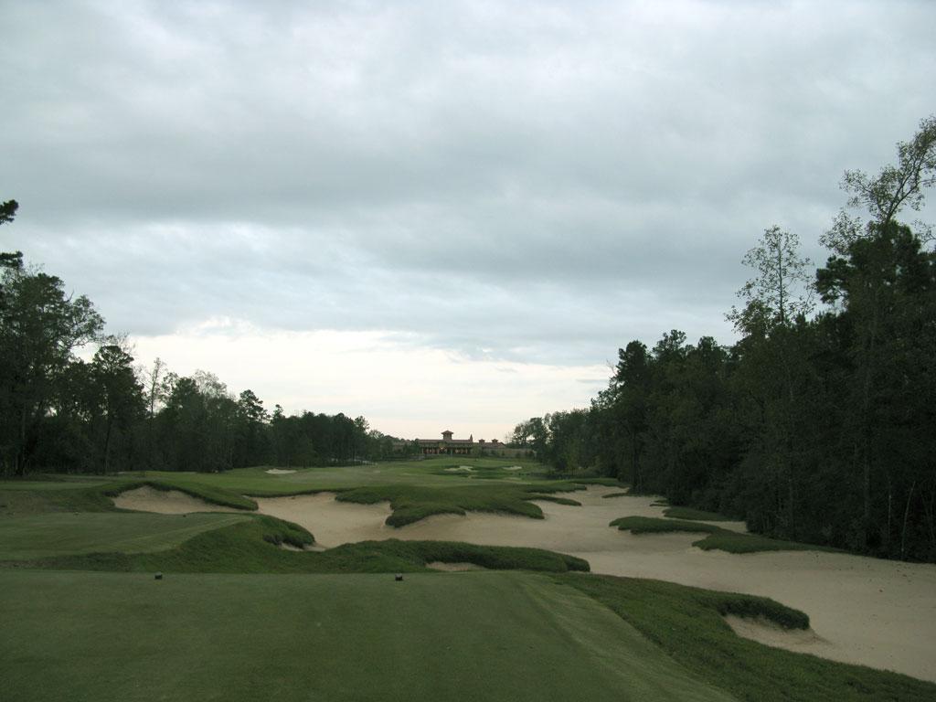 18th Hole at Carlton Woods (Fazio) (445 Yard Par 4)