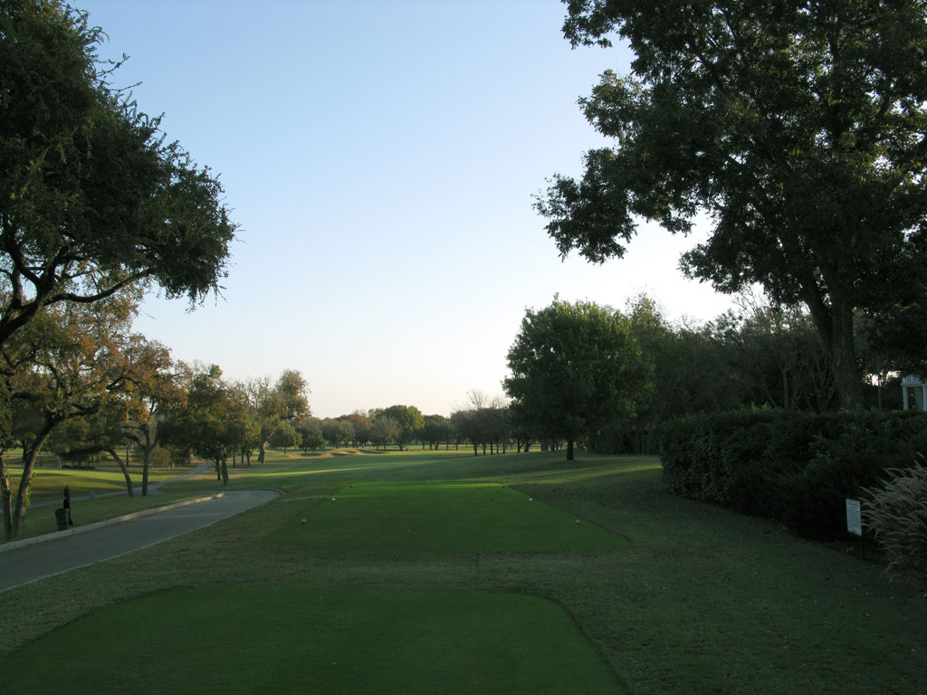 1st Hole at Colonial Country Club (563 Yard Par 5)
