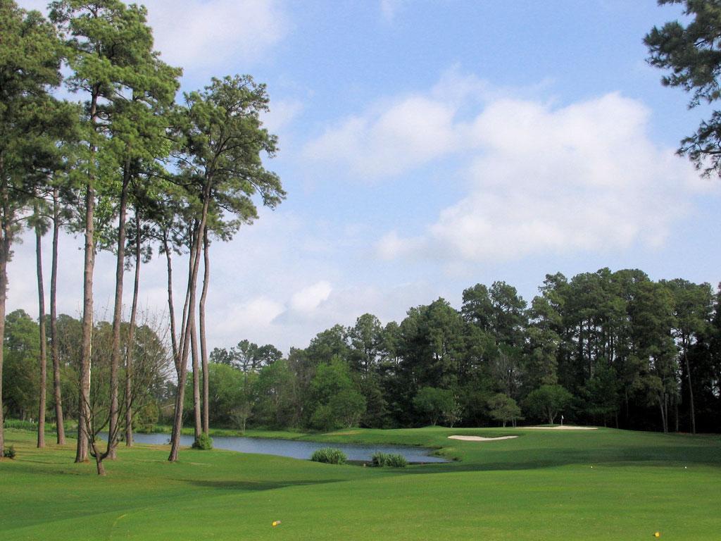5th Hole at Lochinvar Golf Club