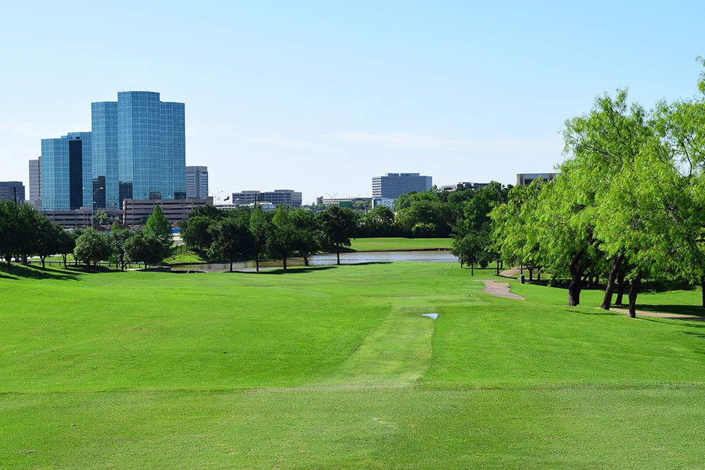 14th Hole at TPC Las Colinas (406 Yard Par 4)