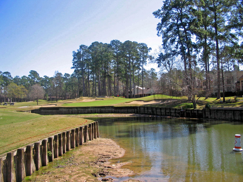 8th Hole at Walden at Lake Conroe (400 Yard Par 4)