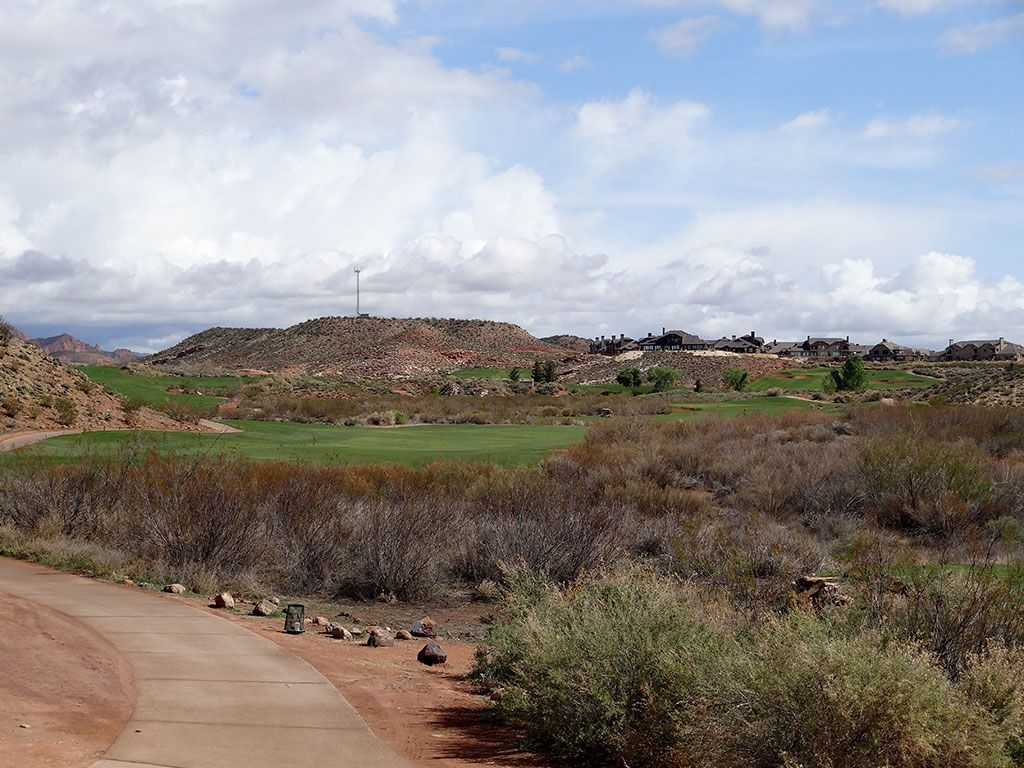 2nd Hole at Coral Canyon Golf Course (560 Yard Par 5)
