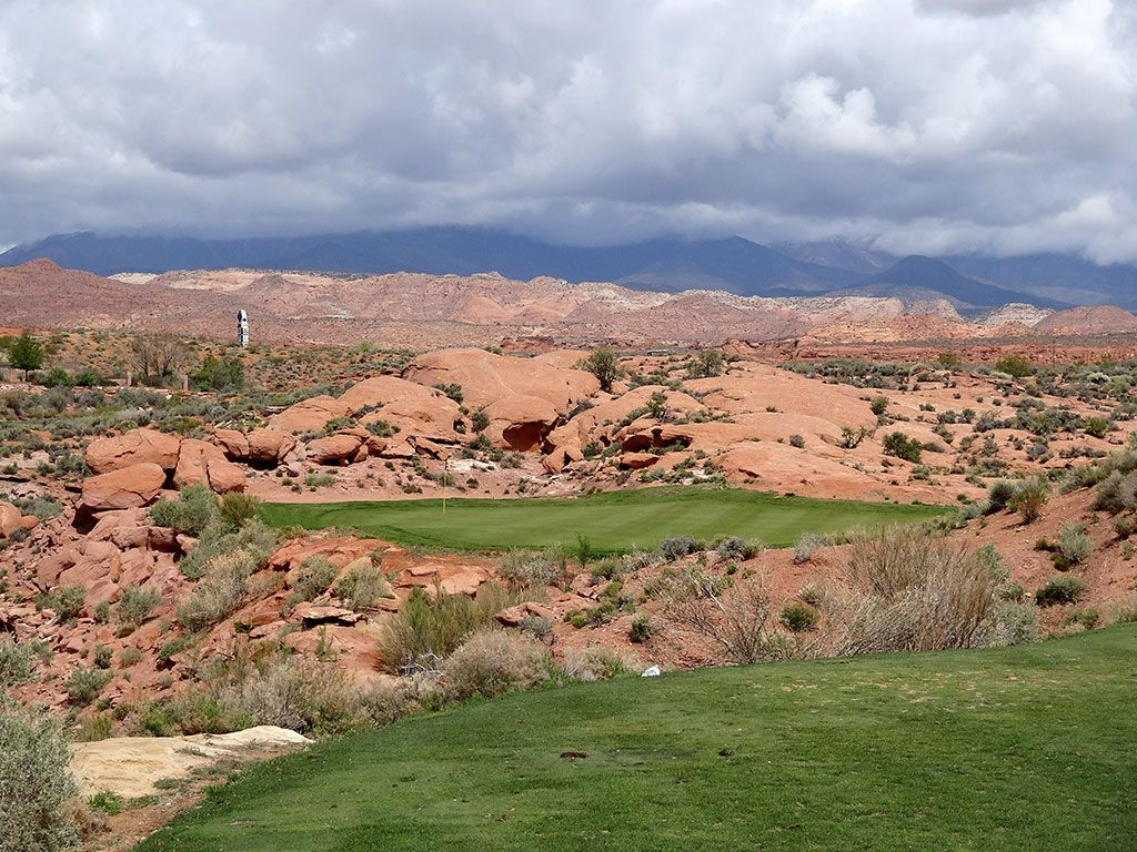 6th Hole at Coral Canyon Golf Course (163 Yard Par 3)
