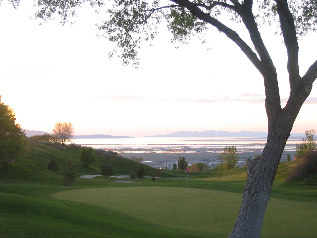 18th Hole at Eaglewood Golf Course (316 Yard Par 4)