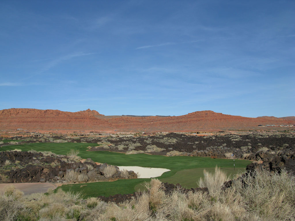 15th Hole at Entrada at Snow Canyon (341 Yard Par 4)