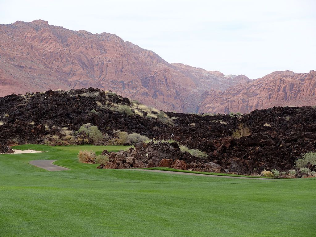 16th Hole at Entrada at Snow Canyon (563 Yard Par 5)