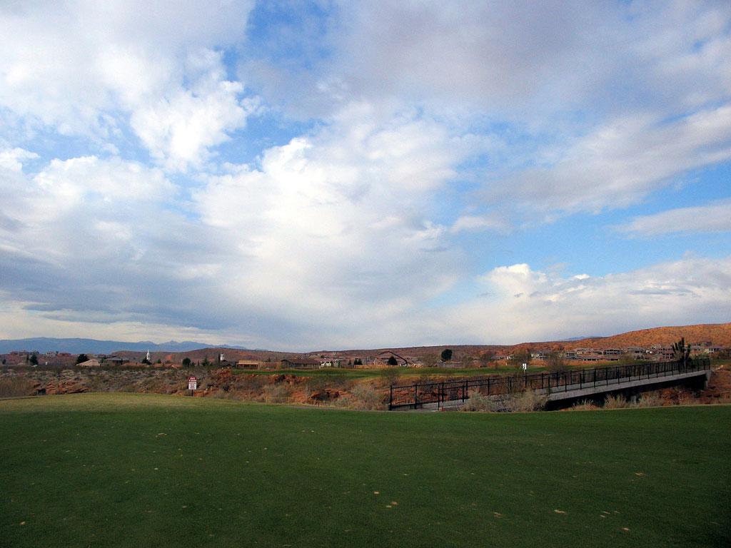 6th Hole at Green Spring Golf Course (449 Yard Par 4)
