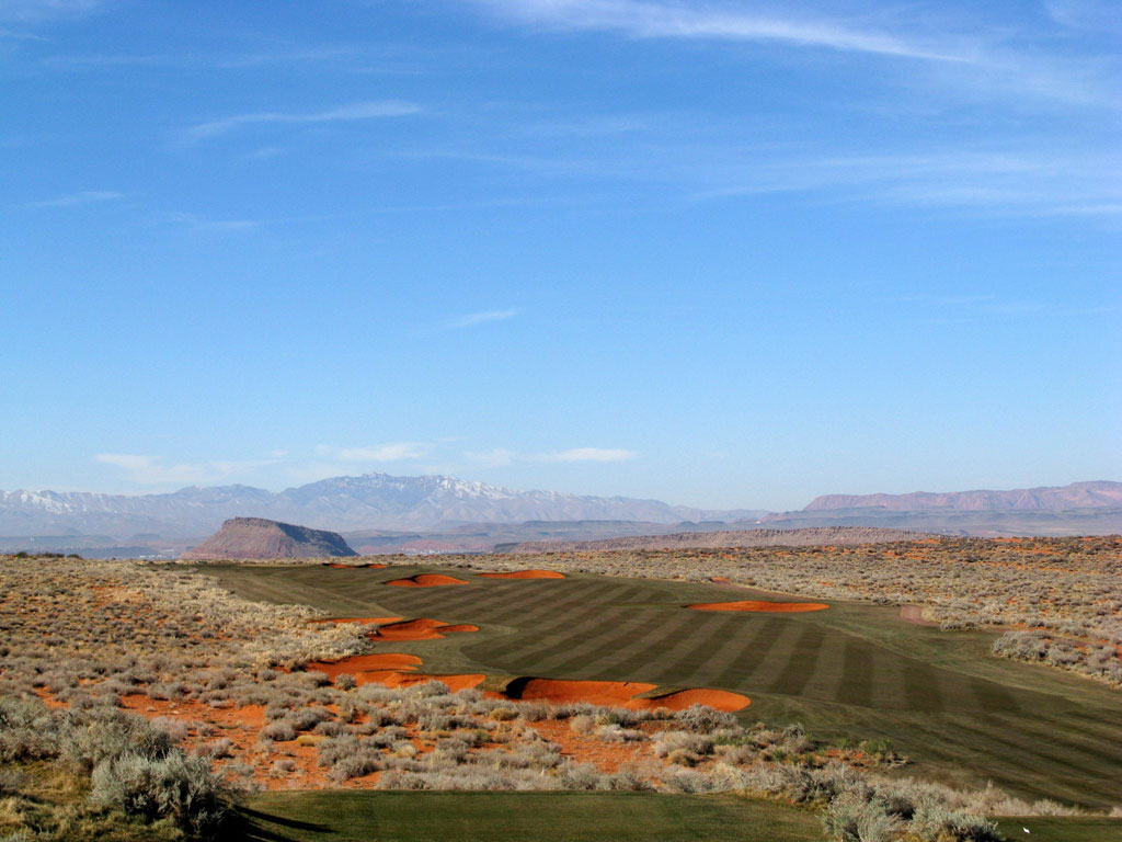 10th Hole at Sand Hollow Resort (565 Yard Par 5)