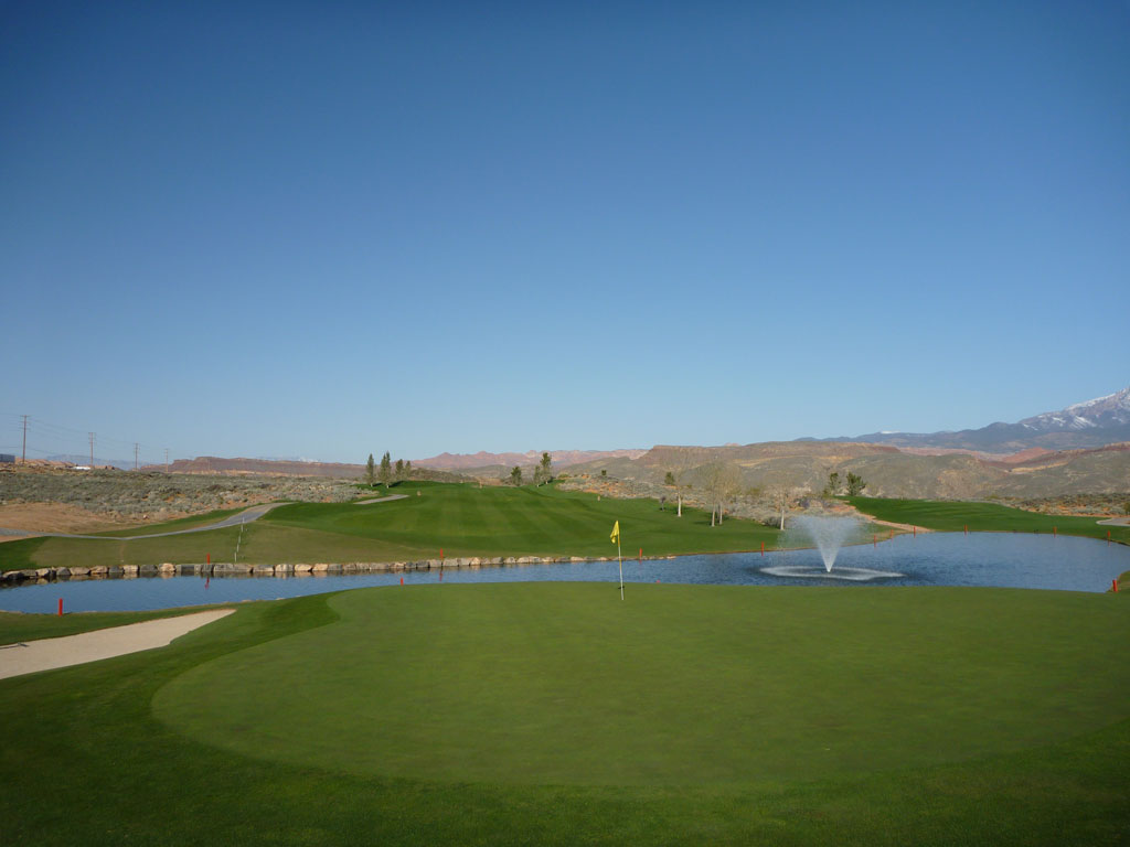 7th Hole at Sky Mountain (416 Yard Par 4)
