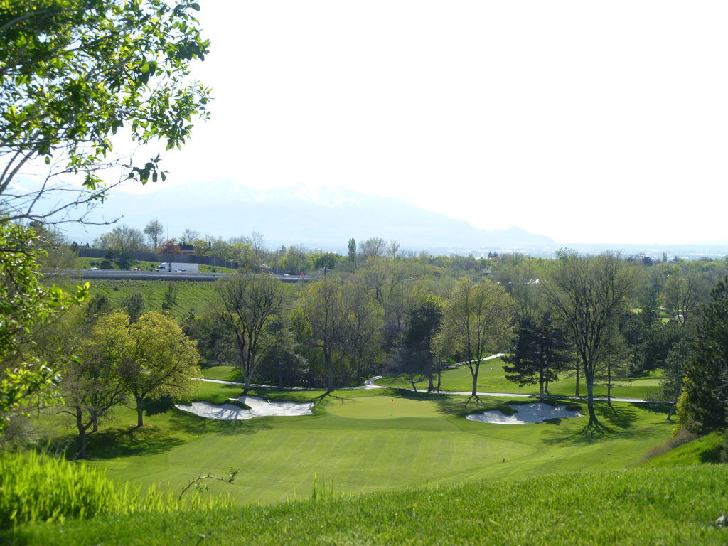 10th Hole at The Country Club (Salt Lake) (254 Yard Par 3)