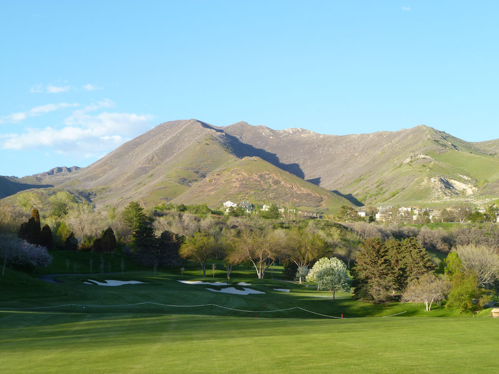 18th Hole at The Country Club (Salt Lake) (461 Yard Par 4)