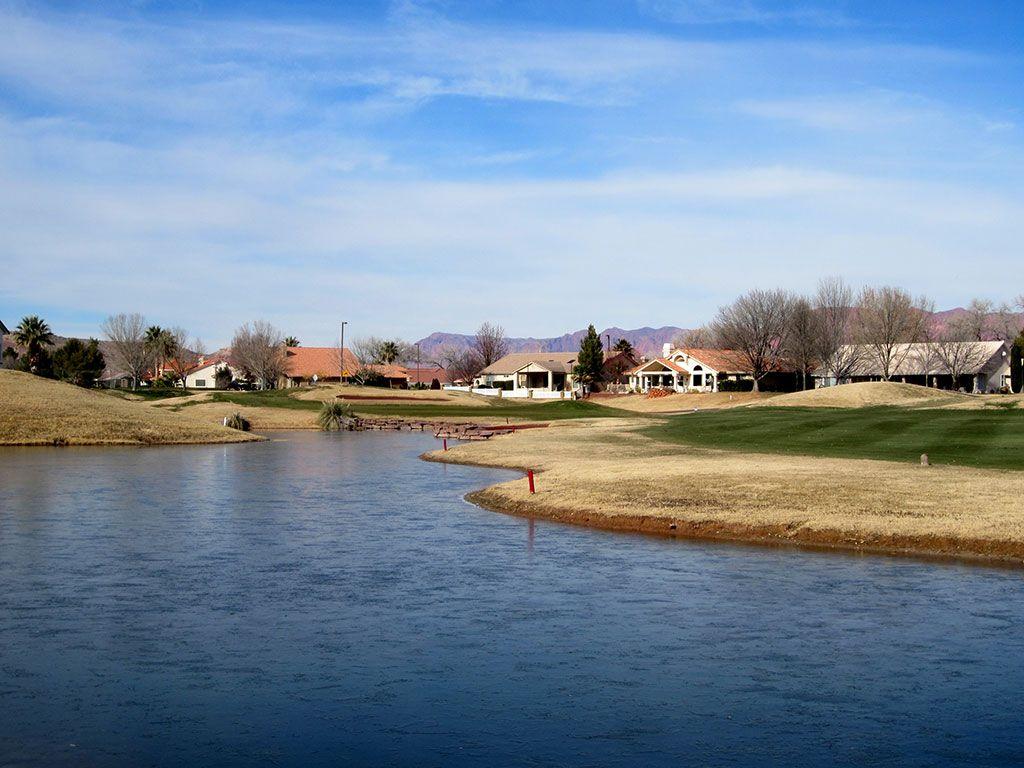 Pointe 7th Hole at Sunbrook Golf Course (502 Yard Par 5)