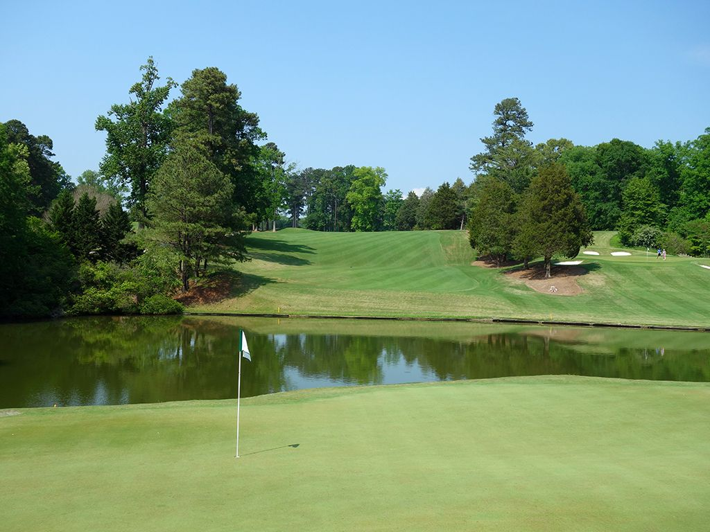 2nd Hole at Golden Horseshoe Golf Club (Gold) (498 Yard Par 5)