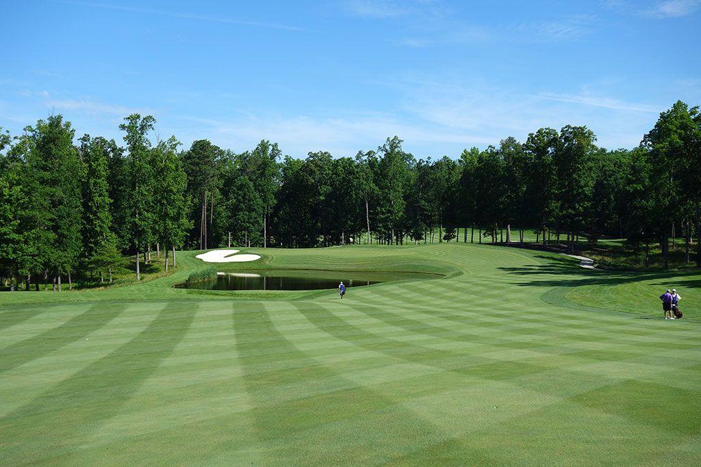 8th Hole at Kinloch Golf Club (457 Yard Par 4)