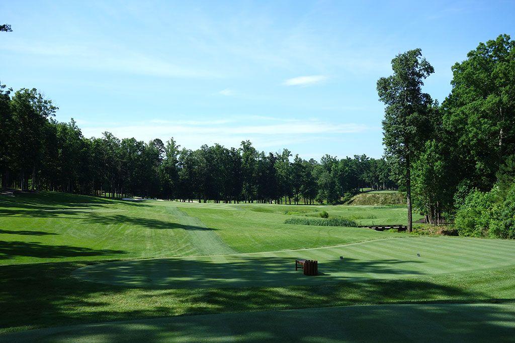 9th Hole at Kinloch Golf Club (586 Yard Par 5)