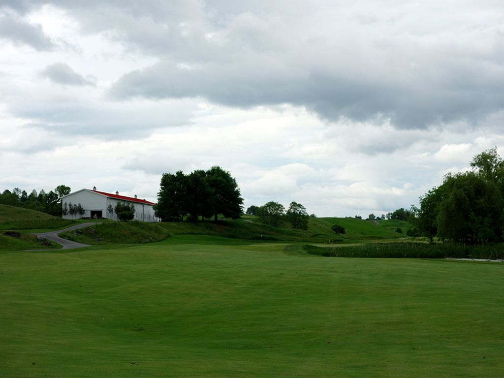16th Hole at The Olde Farm (461 Yard Par 4)